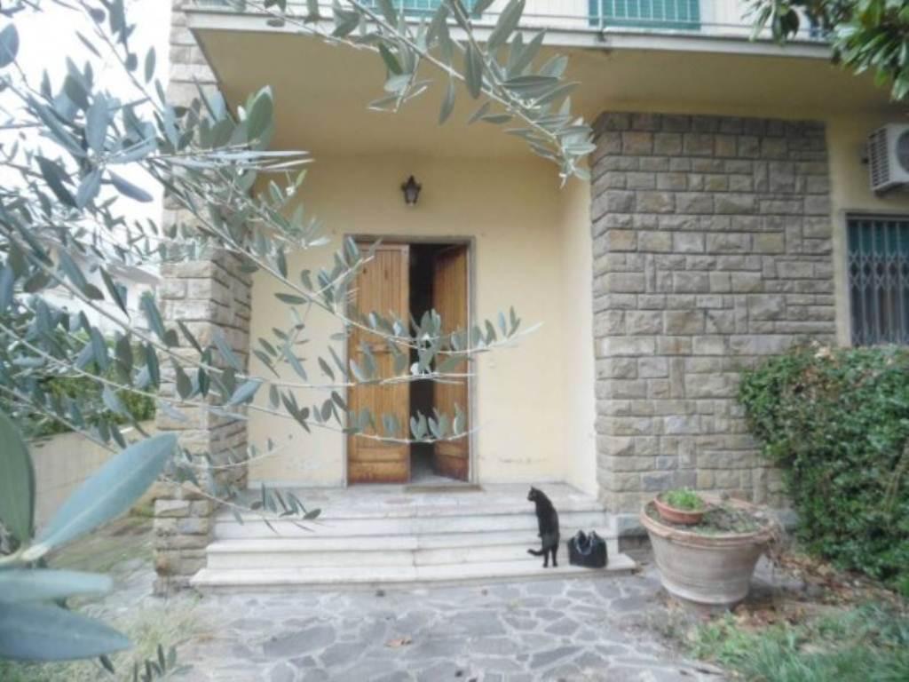 Soluzione Indipendente in vendita a Scandicci, 6 locali, prezzo € 590.000 | Cambio Casa.it