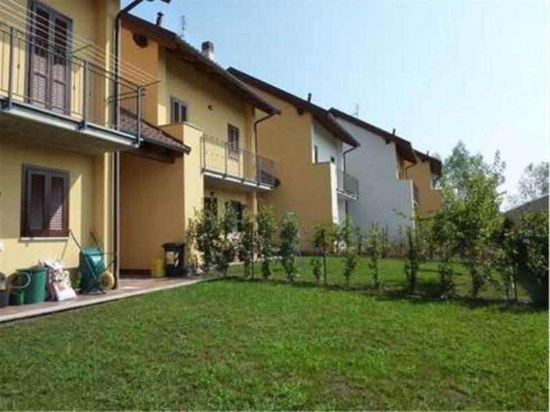 Villa in vendita a Chivasso, 6 locali, prezzo € 225.000 | Cambio Casa.it