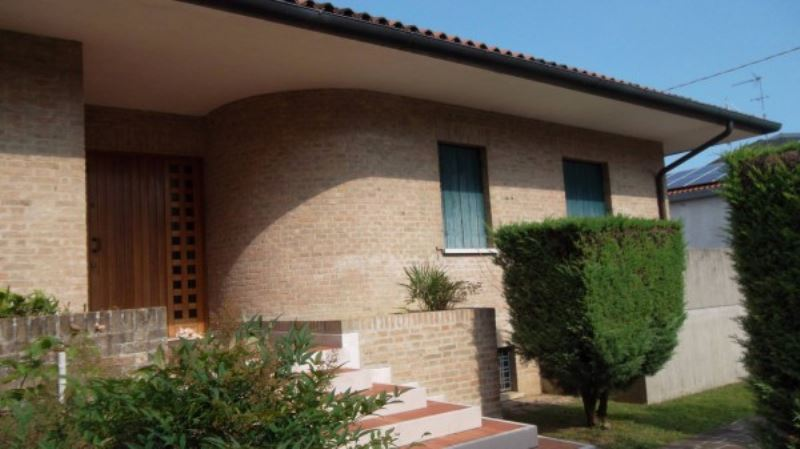 Soluzione Indipendente in vendita a Mirano, 6 locali, prezzo € 900.000 | Cambio Casa.it