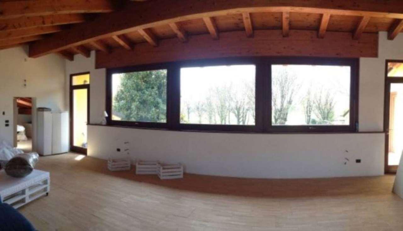 Villa in vendita a Mirano, 6 locali, prezzo € 289.000 | Cambio Casa.it