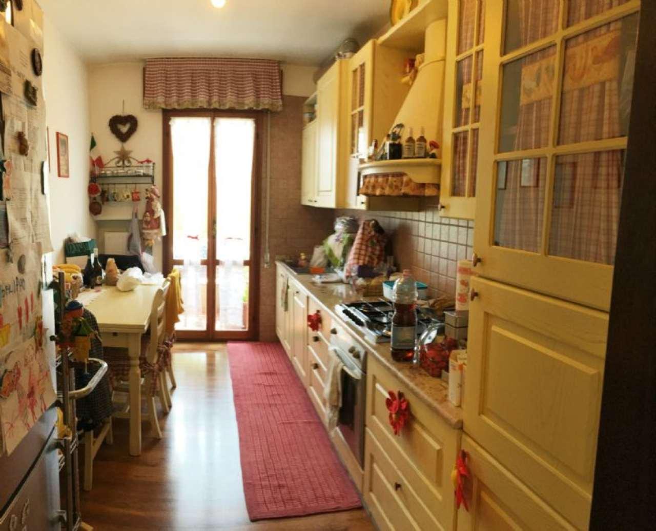Appartamento in vendita a Mirano, 6 locali, prezzo € 129.000 | Cambio Casa.it