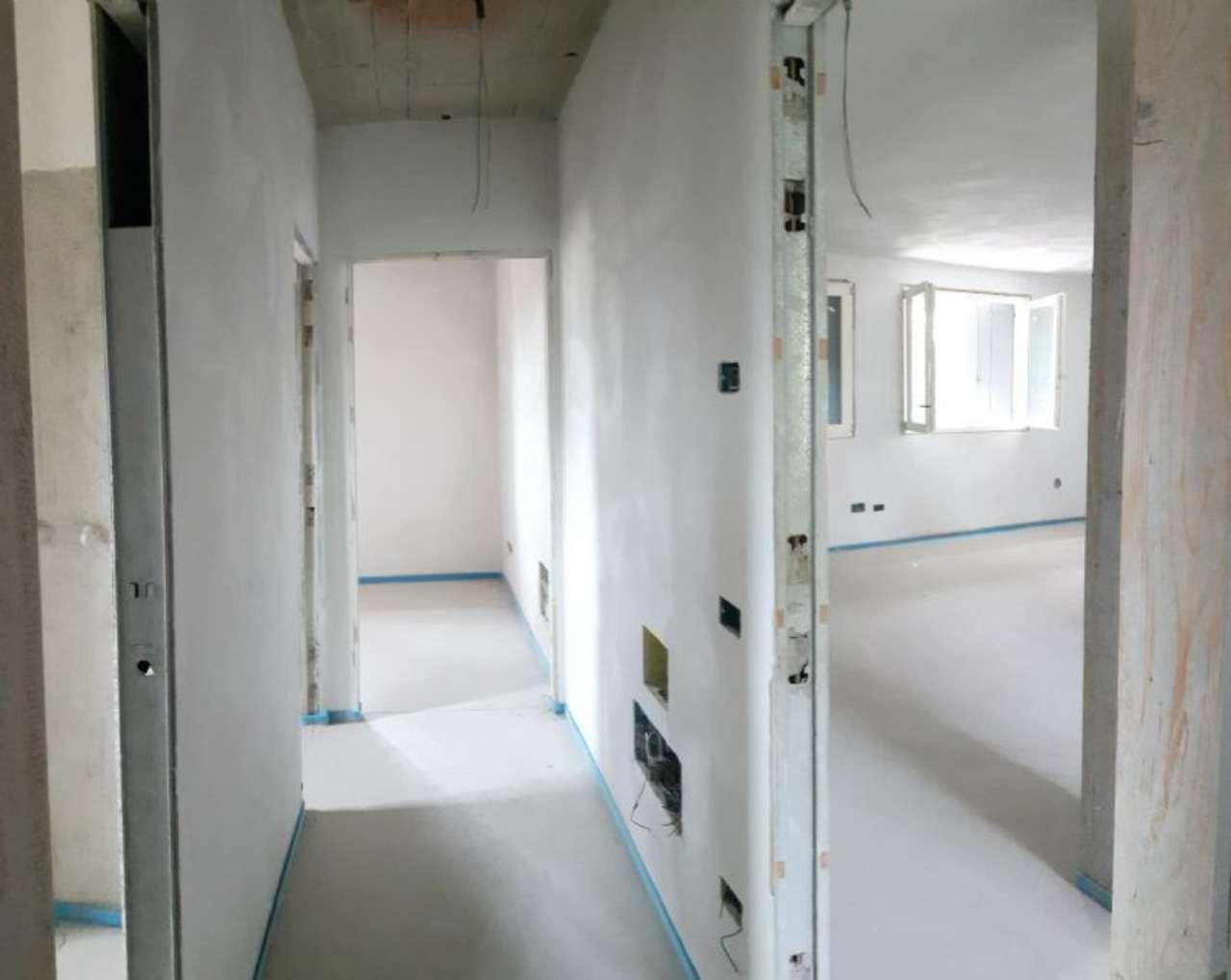 Appartamento in vendita a Mirano, 4 locali, prezzo € 260.000 | Cambio Casa.it