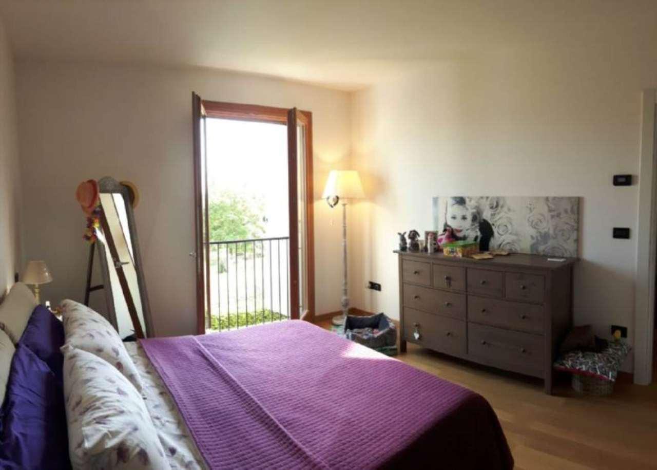 Soluzione Indipendente in vendita a Mira, 6 locali, prezzo € 230.000 | Cambio Casa.it