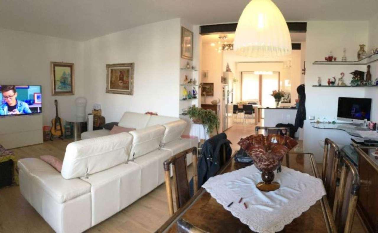 Appartamento in vendita a Mirano, 9999 locali, prezzo € 298.000 | Cambio Casa.it
