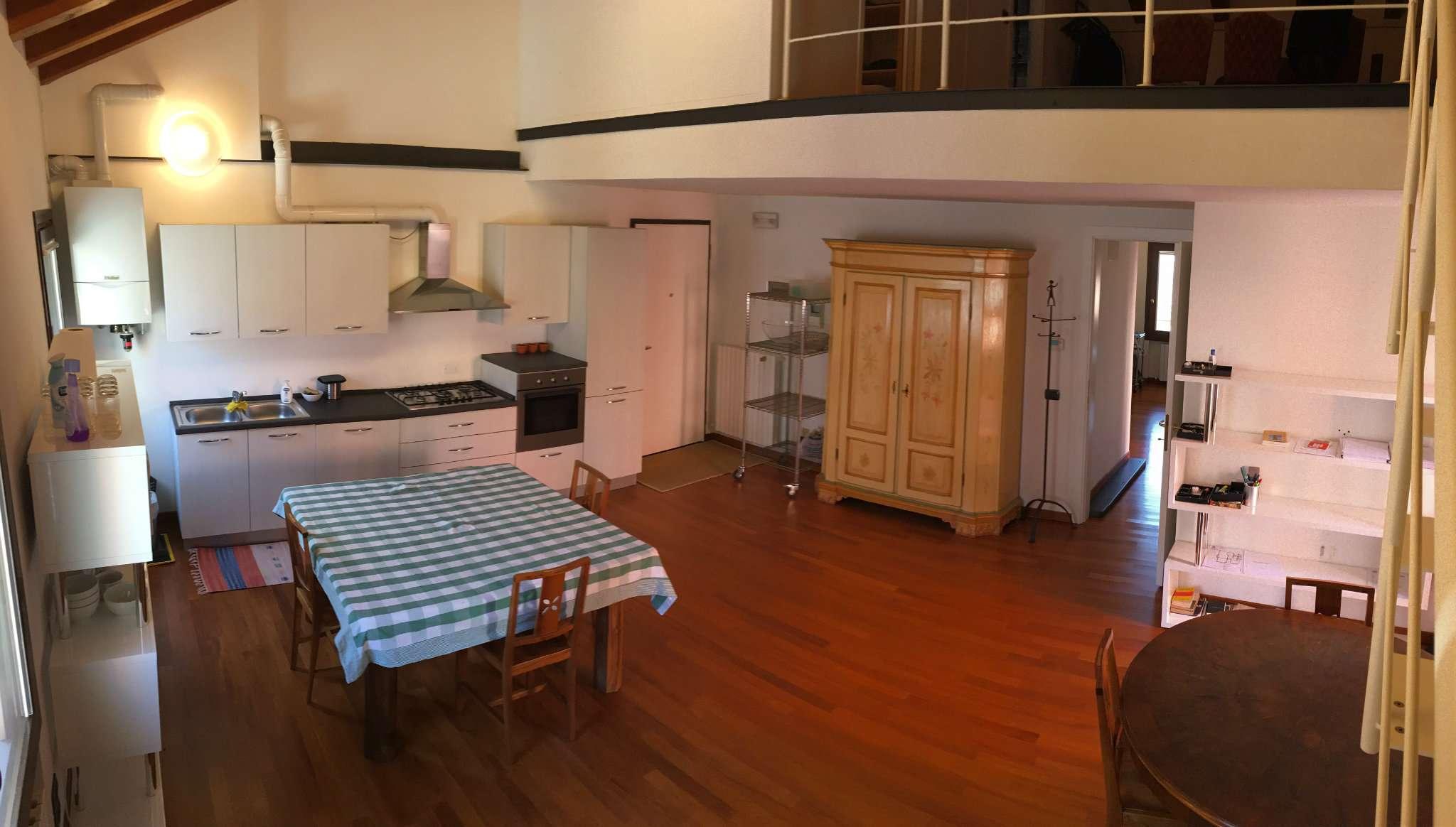Appartamento in vendita a Mirano, 5 locali, prezzo € 340.000 | Cambio Casa.it