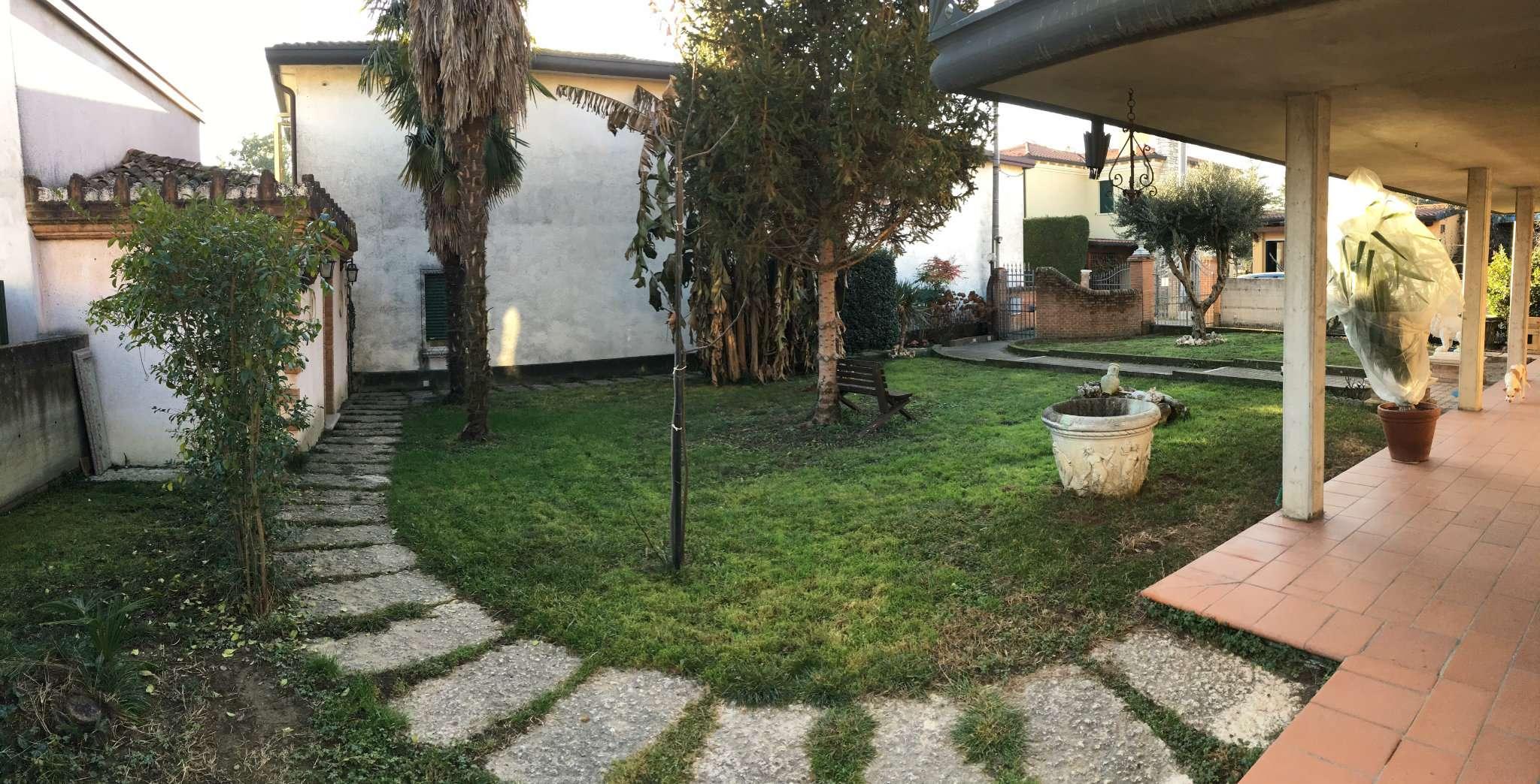 Soluzione Indipendente in vendita a Mirano, 18 locali, prezzo € 350.000 | Cambio Casa.it