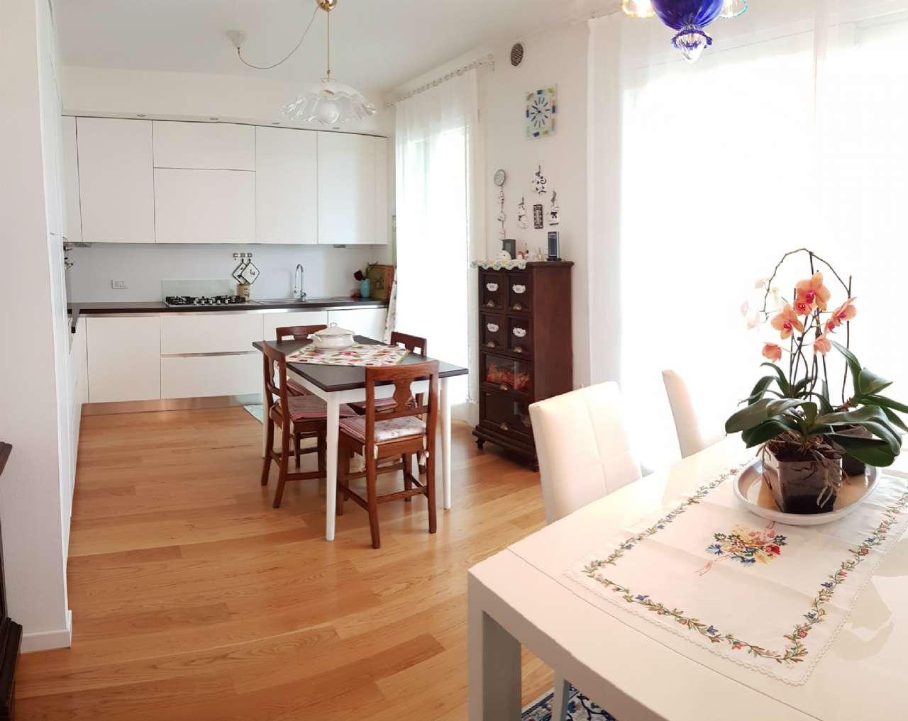 Villa in vendita a Spinea, 6 locali, prezzo € 360.000 | CambioCasa.it