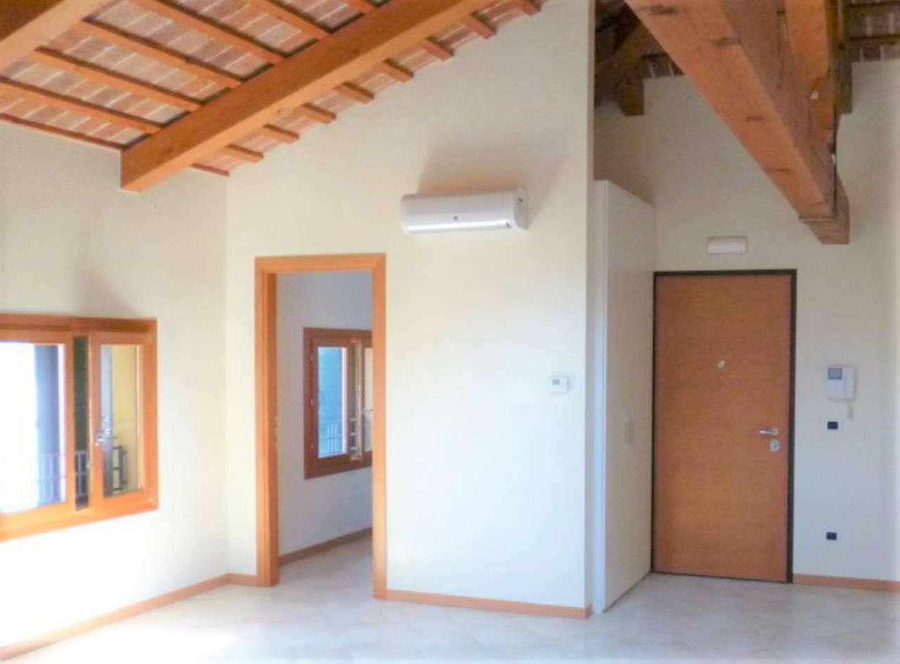 Appartamento in vendita a Mirano, 4 locali, prezzo € 190.000 | Cambio Casa.it