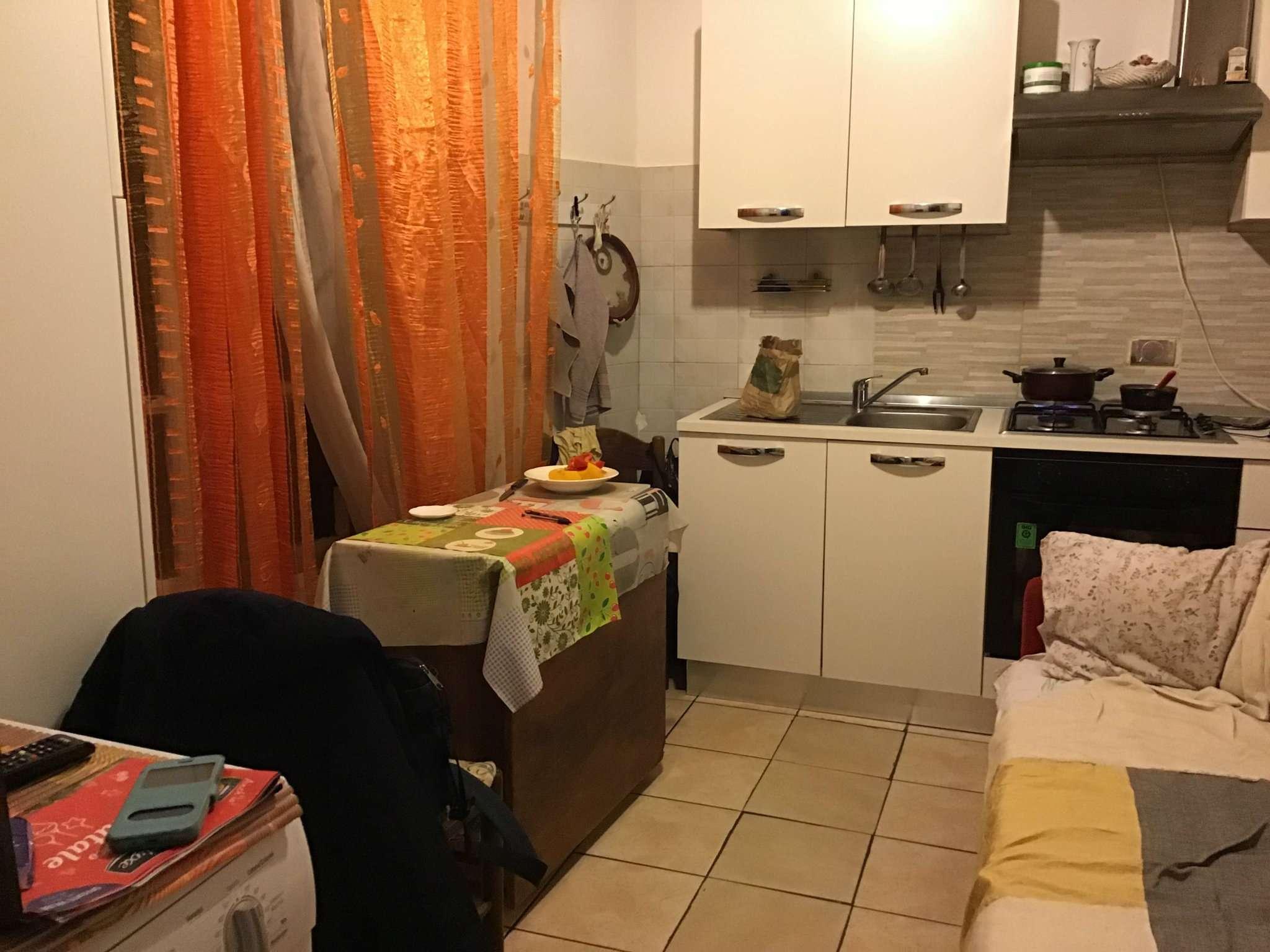 Foto 1 di Bilocale via Palestrina 14, Torino (zona Barriera Milano, Falchera, Barca-Bertolla)
