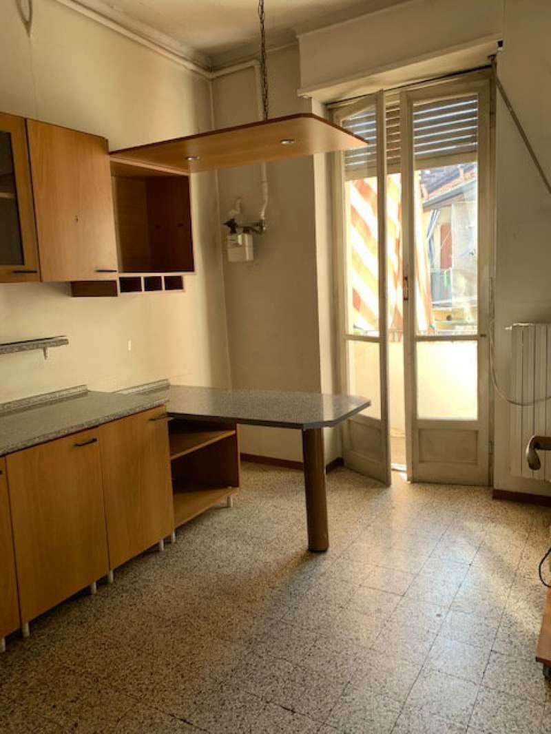 Foto 1 di Bilocale via Vicenza  33, Torino (zona Cit Turin, San Donato, Campidoglio)
