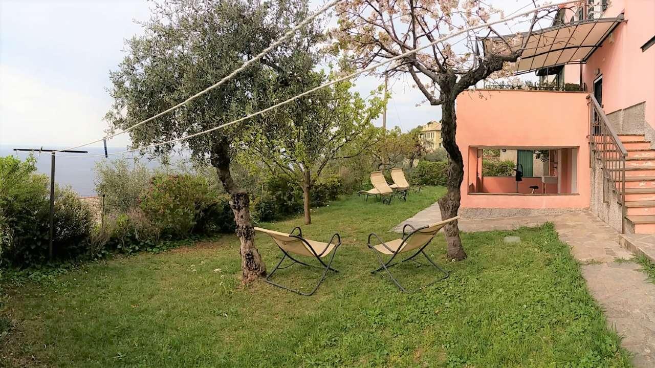 Villa Bifamiliare in Vendita a Pieve Ligure