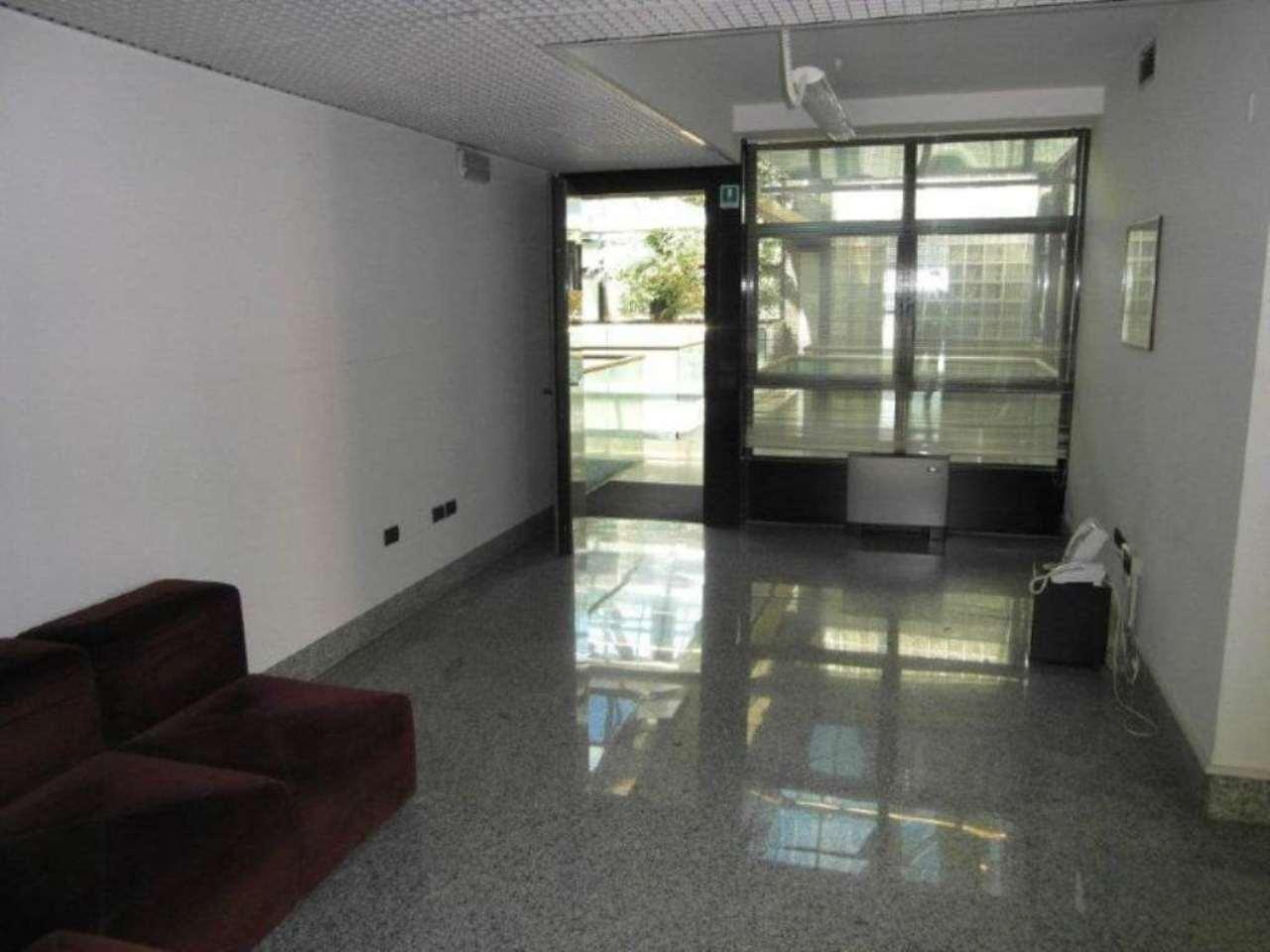 Ufficio / Studio in affitto a Padova, 4 locali, zona Zona: 1 . Centro, prezzo € 700 | CambioCasa.it