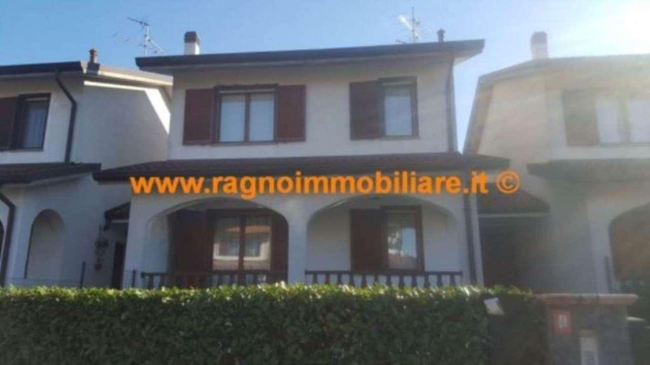 Villa a Schiera in vendita a Casarile, 5 locali, prezzo € 315.000   Cambio Casa.it