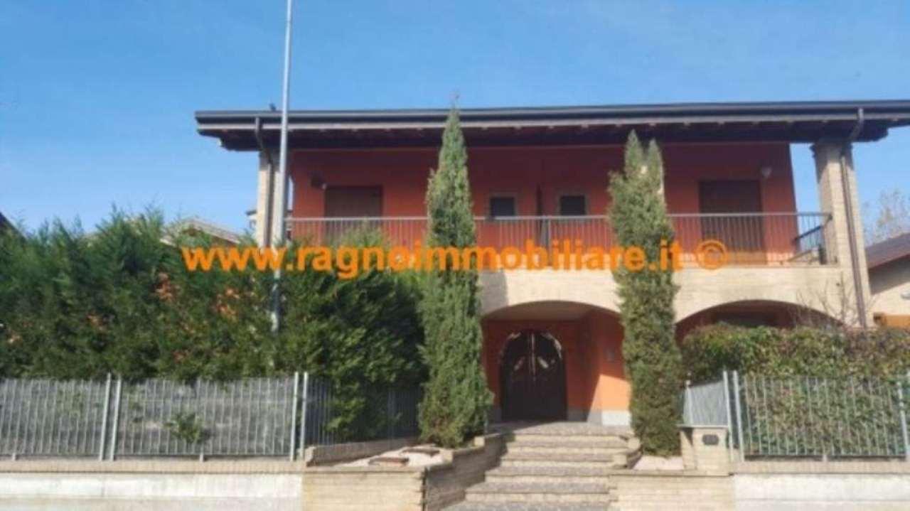 Appartamento in vendita a Casarile, 3 locali, prezzo € 259.000 | Cambio Casa.it