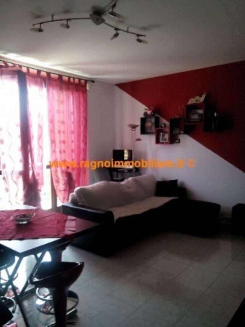 Appartamento in vendita a Vellezzo Bellini, 2 locali, prezzo € 109.000 | Cambio Casa.it