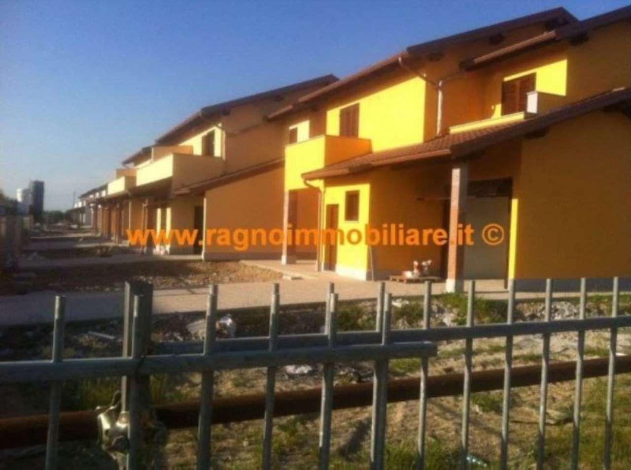 Villa a Schiera in vendita a Vellezzo Bellini, 4 locali, prezzo € 229.000 | Cambio Casa.it