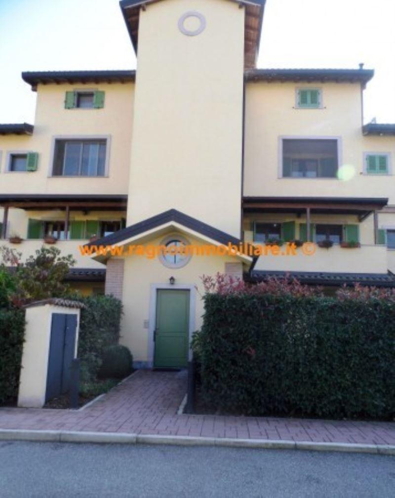Appartamento in vendita a Rognano, 4 locali, prezzo € 185.000 | Cambio Casa.it