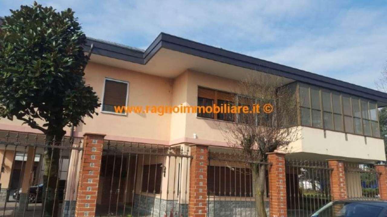Appartamento in vendita a Casarile, 4 locali, prezzo € 200.000 | Cambio Casa.it