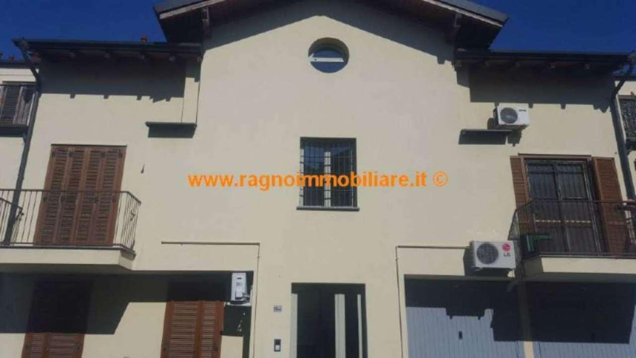 Appartamento in vendita a Vellezzo Bellini, 2 locali, prezzo € 125.000 | Cambio Casa.it