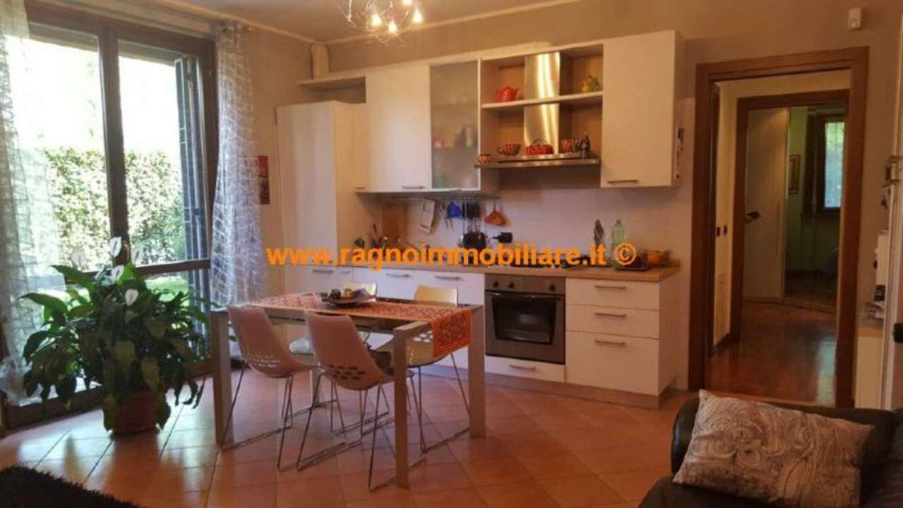 Appartamento in affitto a Vernate, 2 locali, prezzo € 550 | Cambio Casa.it