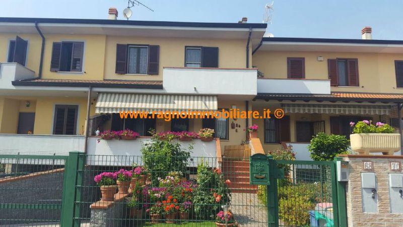 Villa a Schiera in Vendita a Casarile