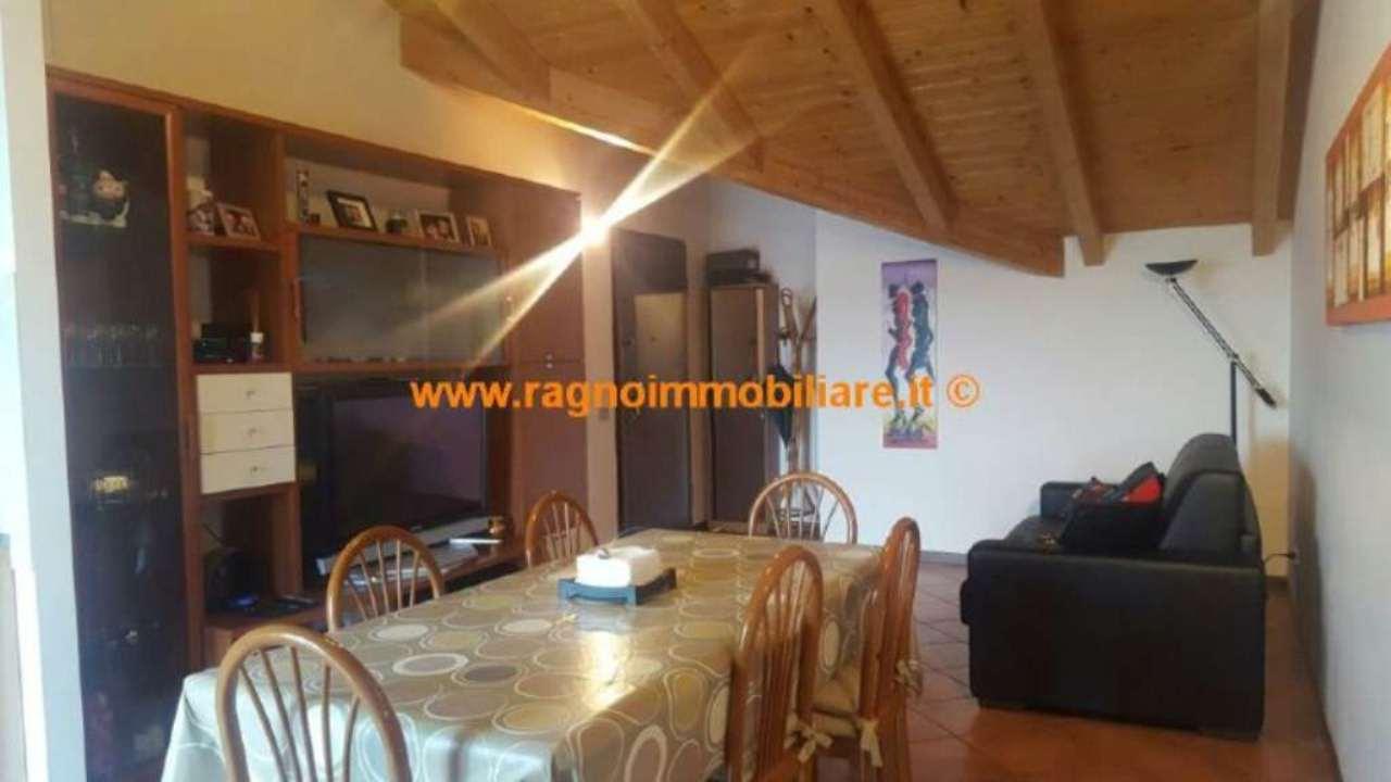 Appartamento in vendita a Vellezzo Bellini, 2 locali, prezzo € 99.000 | Cambio Casa.it