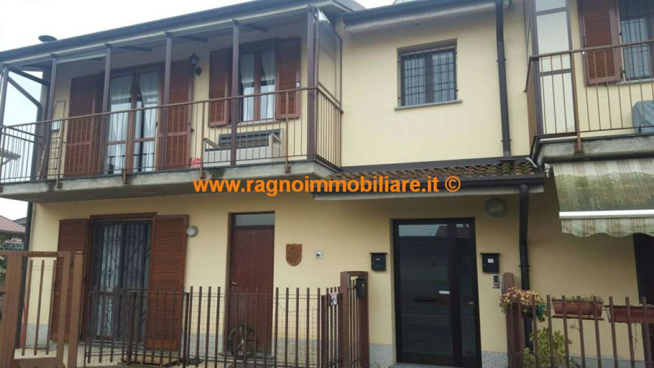 Appartamento in vendita a Rognano, 3 locali, prezzo € 90.000 | Cambio Casa.it