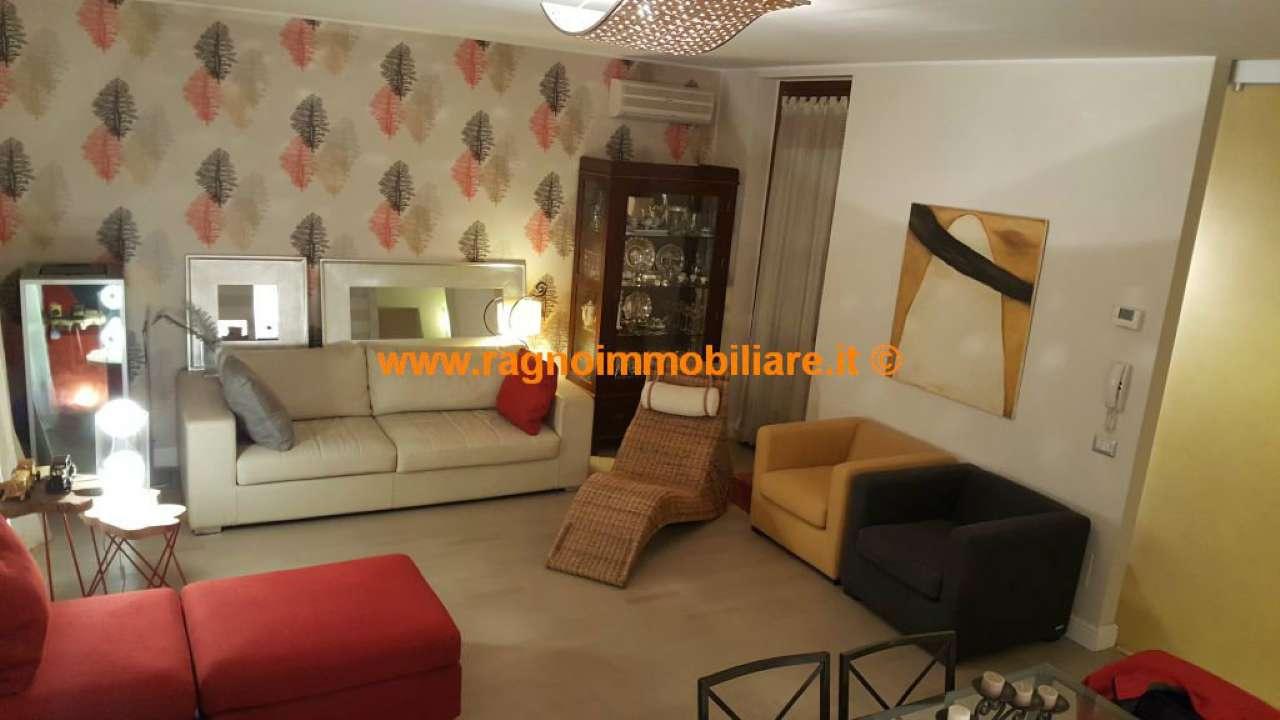 Villa in vendita a Vellezzo Bellini, 4 locali, prezzo € 240.000 | CambioCasa.it