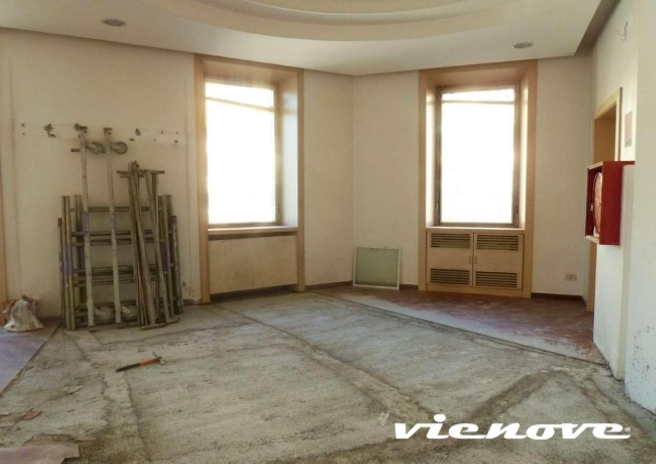 Negozio locale roma affitto zona 14 san for Affitto locale uso ufficio roma