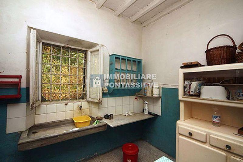 Soluzione Indipendente in vendita a Pontassieve, 16 locali, prezzo € 145.000 | Cambio Casa.it