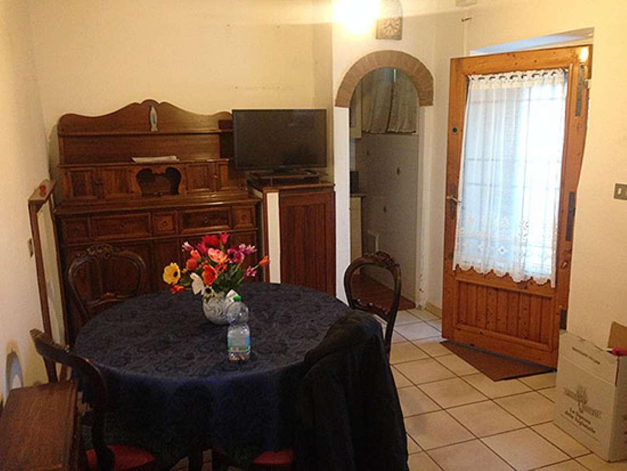 Appartamento in vendita a Fiesole, 3 locali, prezzo € 140.000   Cambio Casa.it