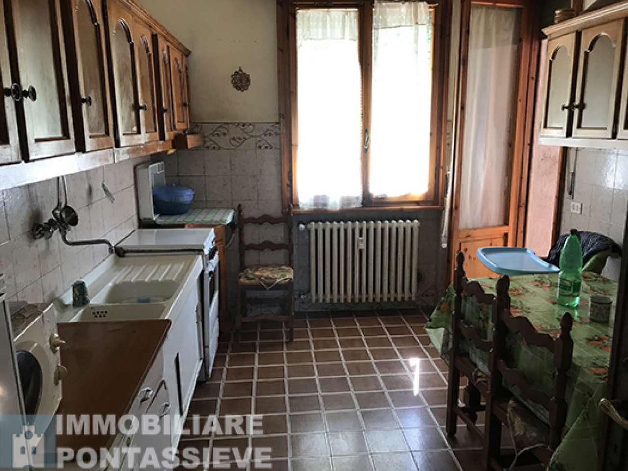 Appartamento in vendita a Pontassieve, 4 locali, prezzo € 199.000   Cambio Casa.it