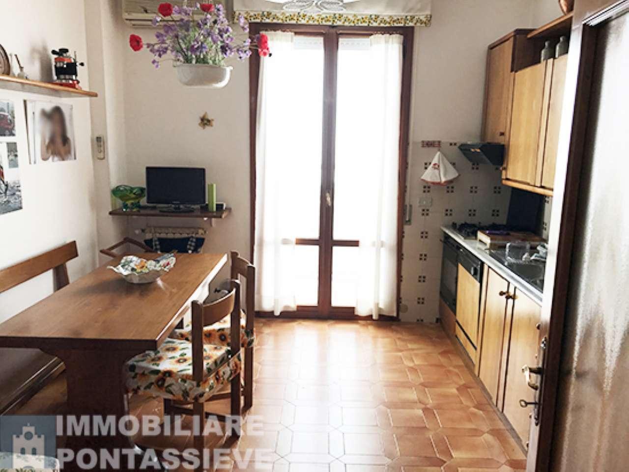 Soluzione Indipendente in vendita a Pontassieve, 4 locali, prezzo € 350.000 | Cambio Casa.it