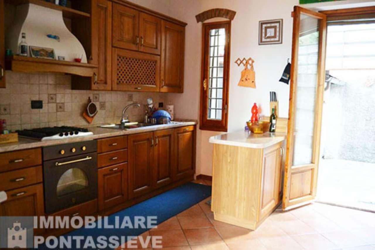 Appartamento in affitto a Pontassieve, 4 locali, prezzo € 600 | CambioCasa.it