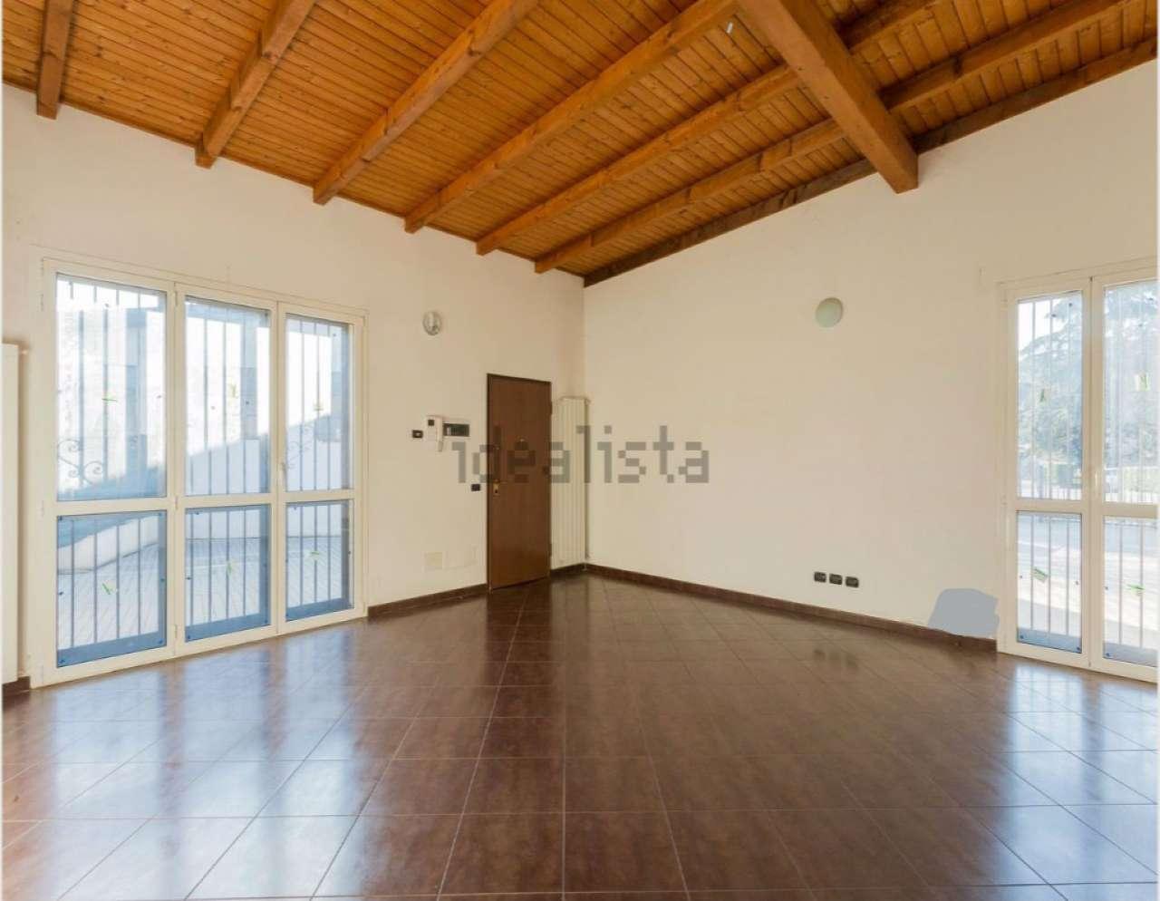 Loft / Openspace in affitto a Monza, 1 locali, zona Zona: 3 . Via Libertà, Cederna, San Albino, prezzo € 550 | Cambio Casa.it