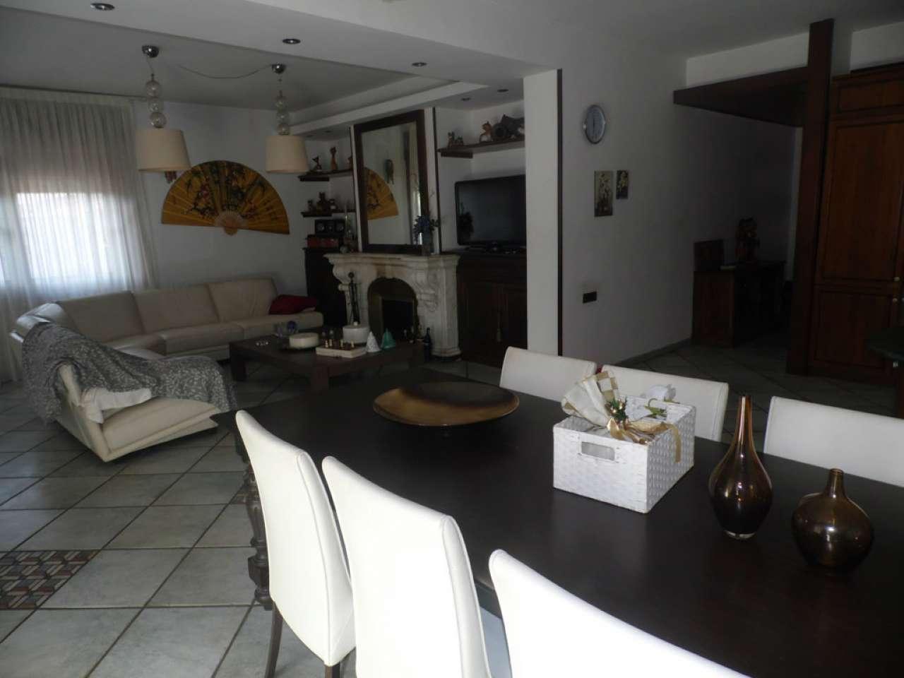 Villa in vendita a Castellammare di Stabia, 5 locali, prezzo € 780.000   Cambio Casa.it