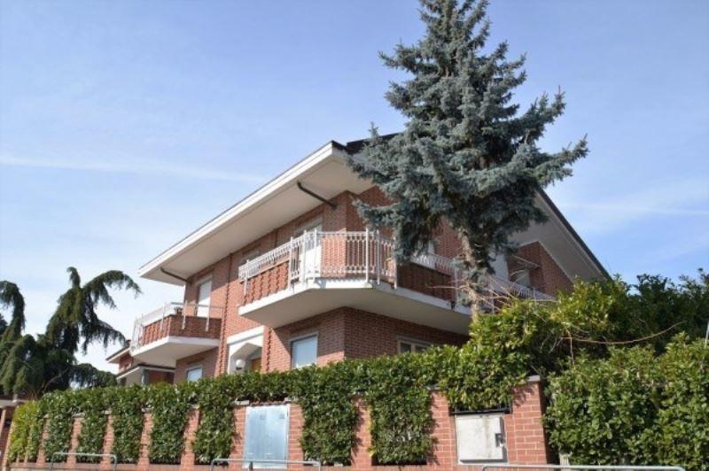 Villa in vendita a Piossasco, 6 locali, prezzo € 630.000 | Cambio Casa.it
