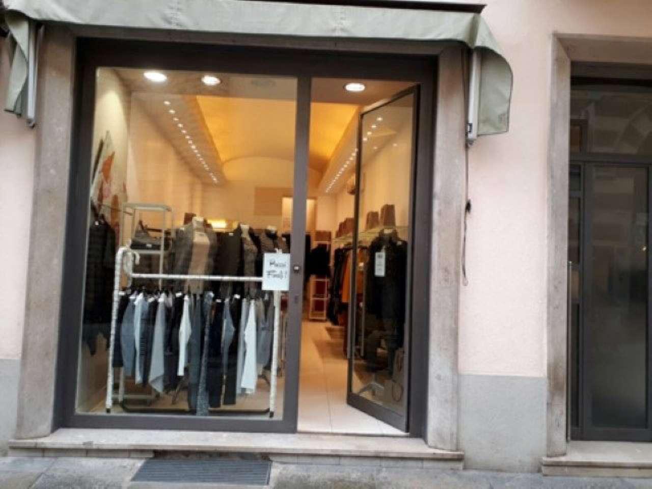 Negozio / Locale in affitto a Alba, 2 locali, prezzo € 4.500 | CambioCasa.it