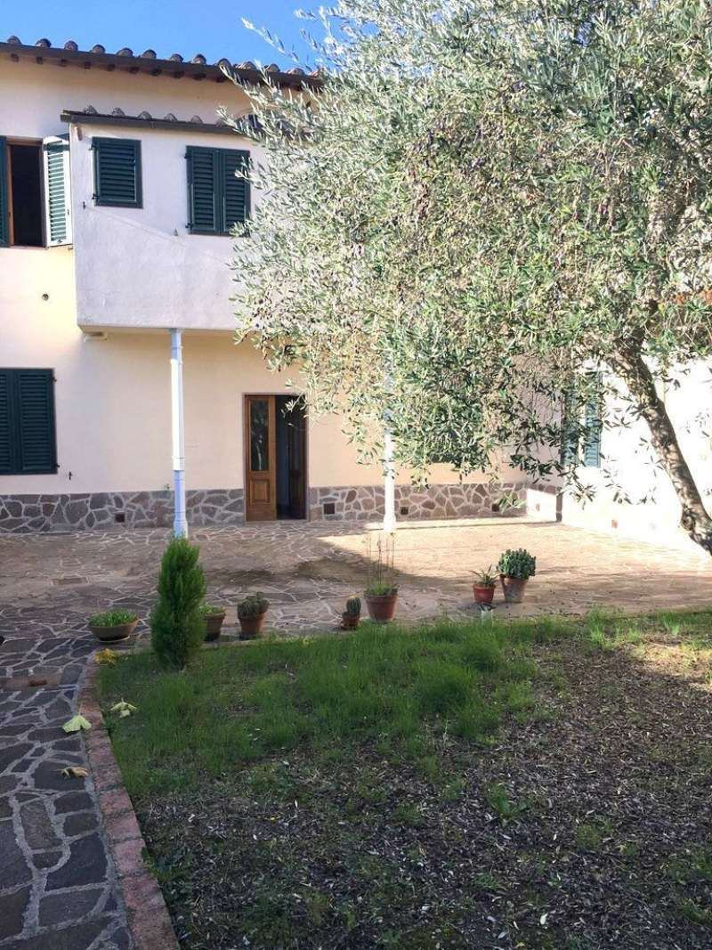 Palazzo / Stabile in vendita a Firenze, 16 locali, zona Zona: 1 . Castello, Careggi, Le Panche, prezzo € 900.000   Cambio Casa.it