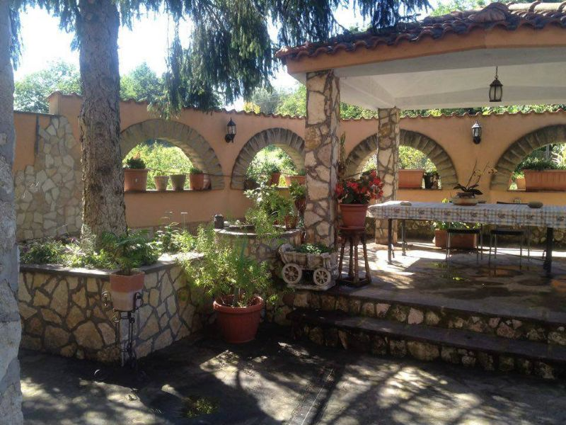 Villa in vendita a Palombara Sabina, 7 locali, prezzo € 265.000 | Cambio Casa.it