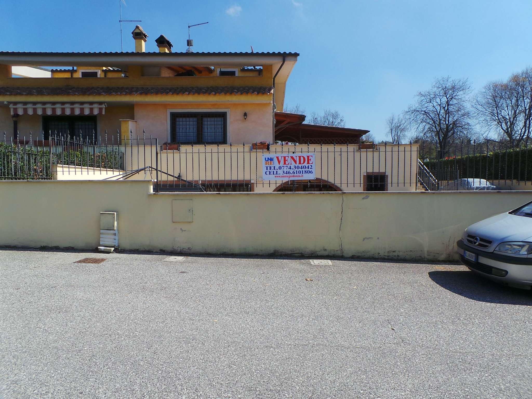 Villa Bifamiliare in vendita a Sant'Angelo Romano, 7 locali, prezzo € 369.000 | CambioCasa.it