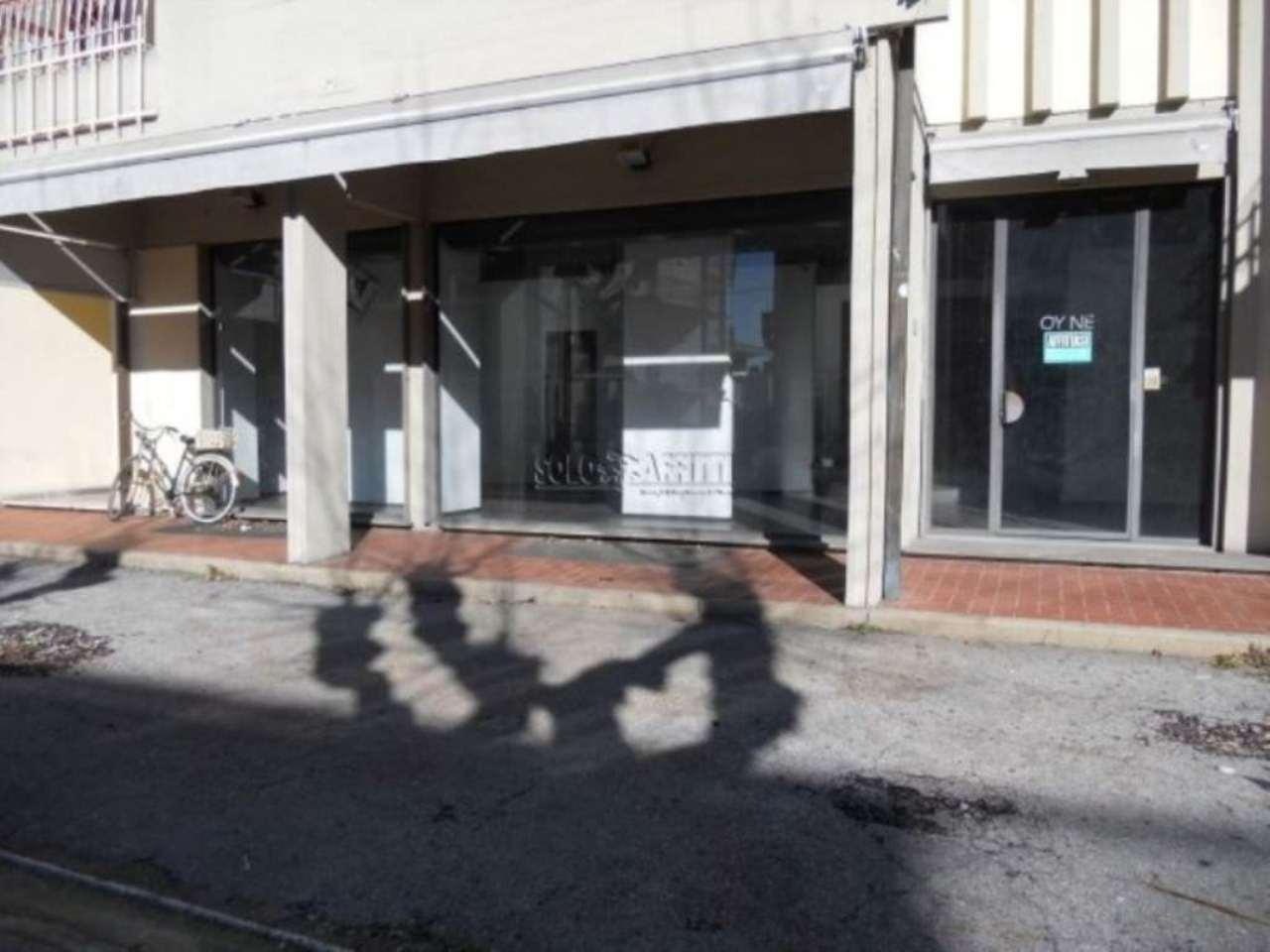 Negozio / Locale in affitto a Montecatini-Terme, 2 locali, prezzo € 2.200 | CambioCasa.it