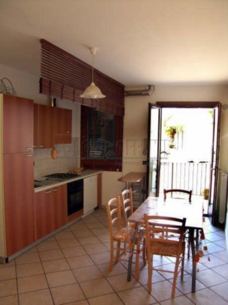 Soluzione Indipendente in affitto a Monsummano Terme, 2 locali, prezzo € 550 | Cambio Casa.it