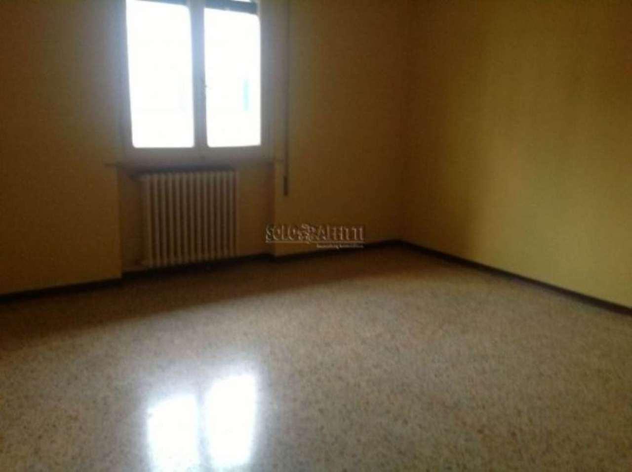 Appartamento in affitto a Montecatini-Terme, 4 locali, prezzo € 600 | Cambio Casa.it