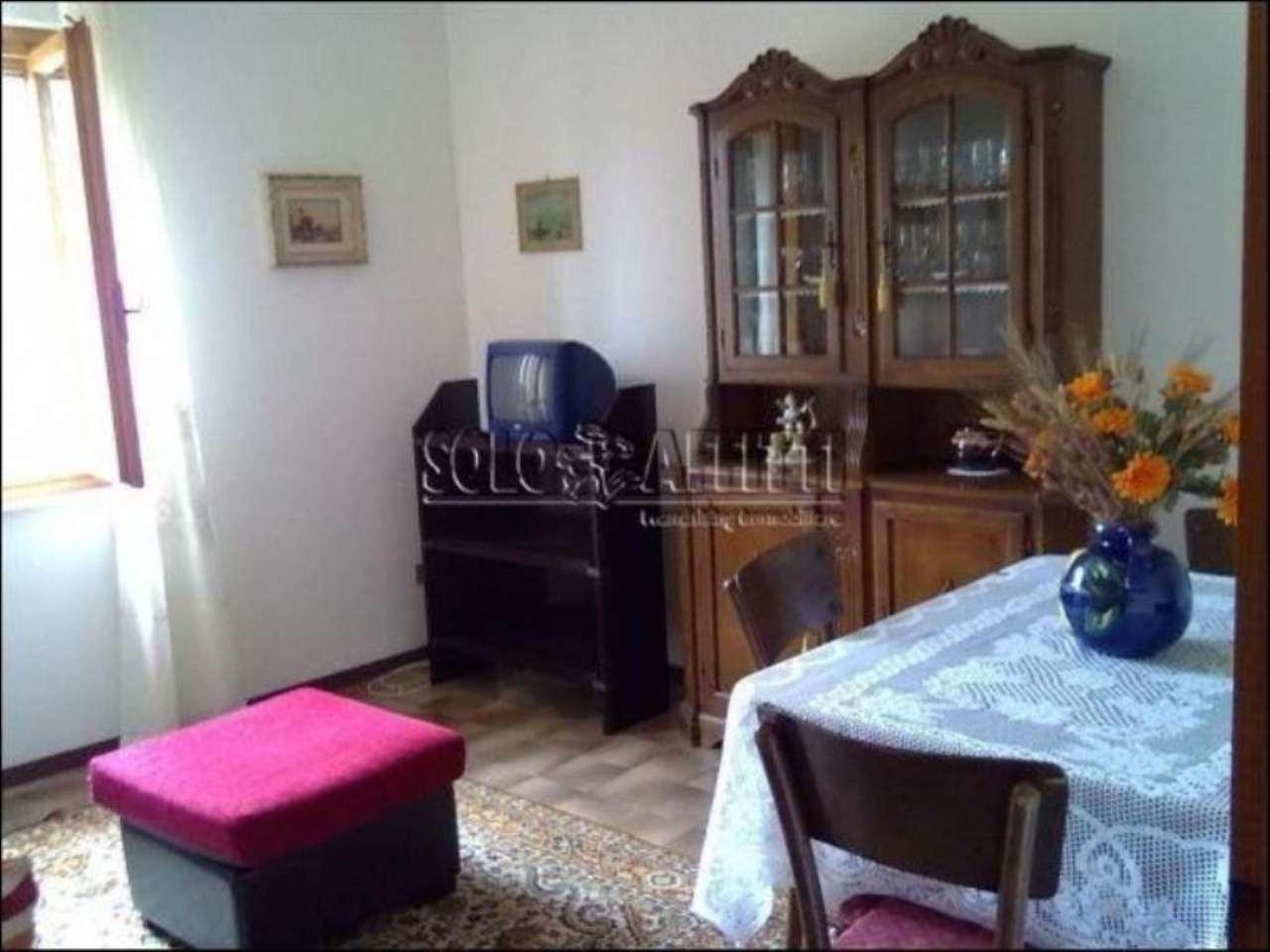 Appartamento in affitto a Pescia, 4 locali, prezzo € 425 | Cambio Casa.it