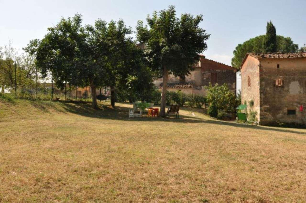 Soluzione Indipendente in affitto a Pistoia, 6 locali, prezzo € 900 | CambioCasa.it