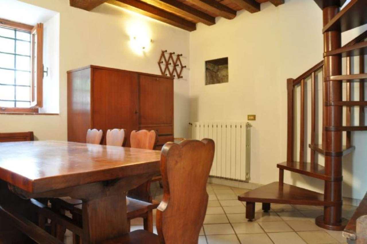 Soluzione Indipendente in affitto a Pistoia, 4 locali, prezzo € 350 | Cambio Casa.it