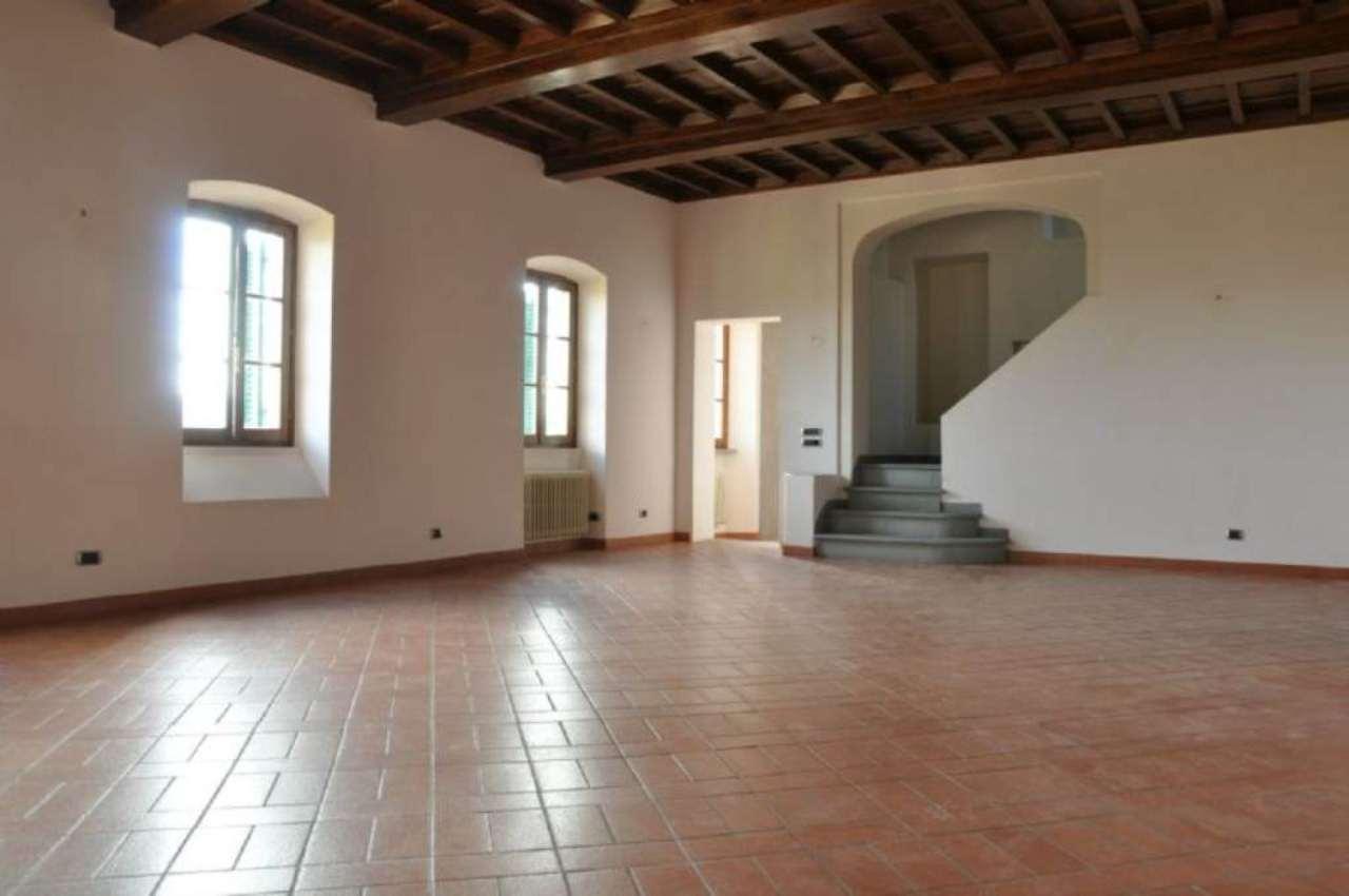 Appartamento in affitto a Pistoia, 6 locali, prezzo € 700 | Cambio Casa.it