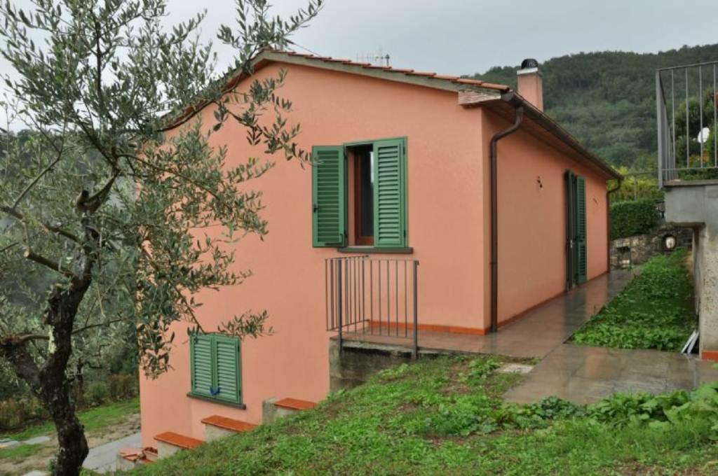 Soluzione Indipendente in affitto a Pistoia, 5 locali, prezzo € 680   Cambio Casa.it