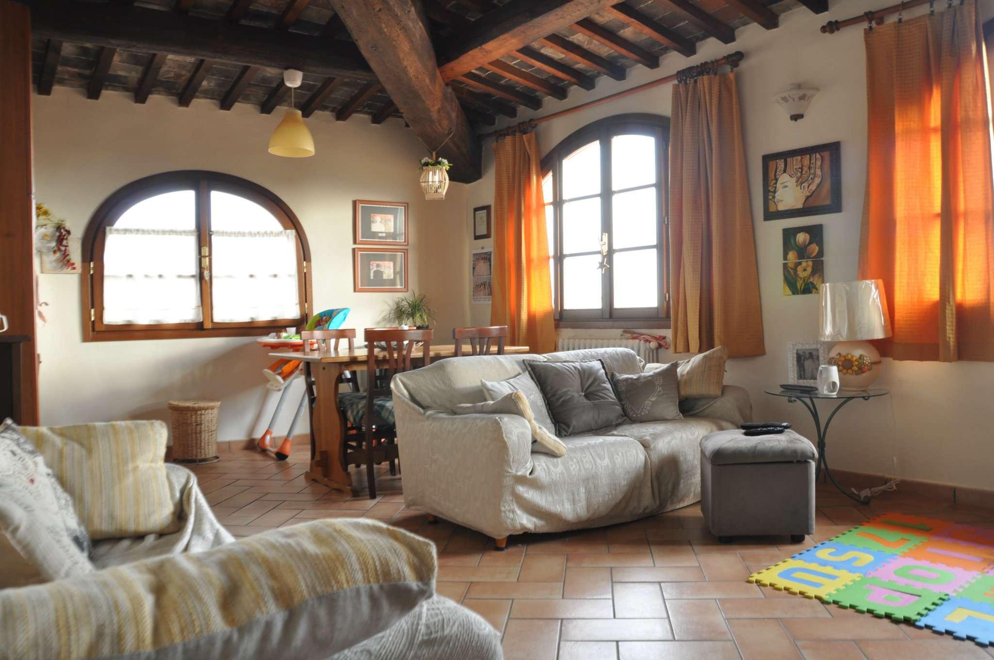 Appartamento in vendita a Pistoia, 3 locali, prezzo € 220.000 | Cambio Casa.it